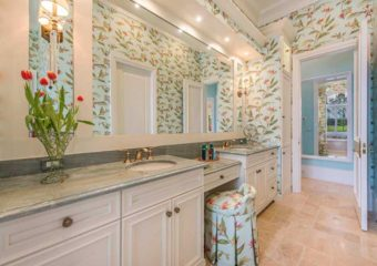 Stunning Bathroom Wallpaper Designs